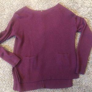 Back zip pocket sweater